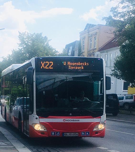 Buslinie X22 durch Eilbek